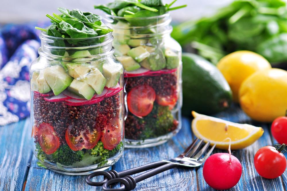quinoa mason jar salad