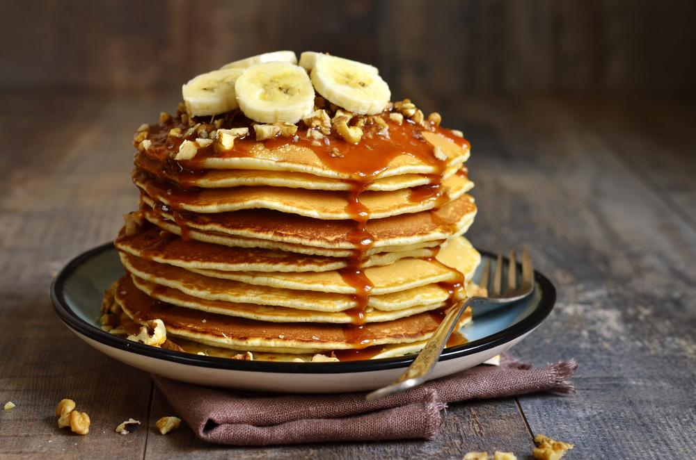 banana pancakes with caramel syrup