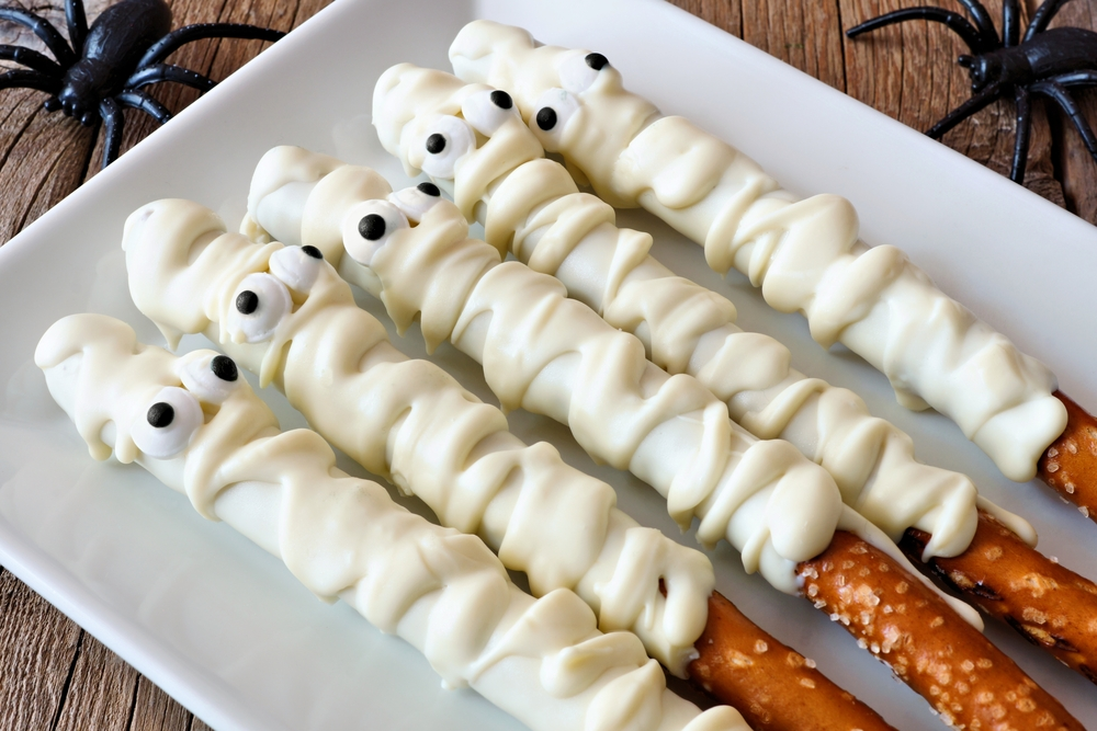 spooky mummy pretzel rods