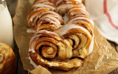 Cinnamon Roll Pull Apart Bread