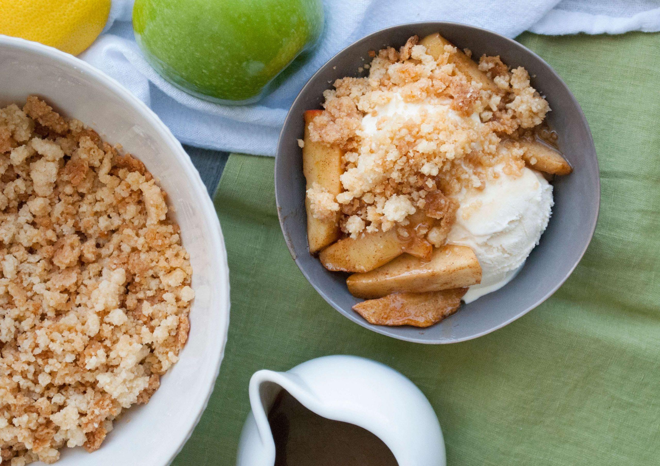 Caramel Apple Pie Sundaes
