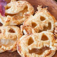 puff pastry pumpkins