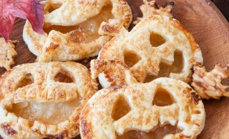 puff pastry pumpkins