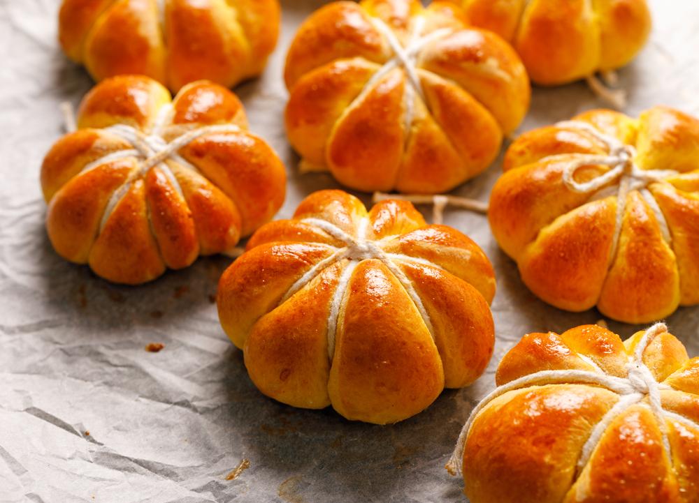 Pumpkin Shaped Dinner Rolls