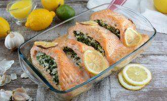 Keto Creamy Spinach Stuffed Salmon