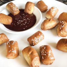 super pretzel pretzel bites chocolate