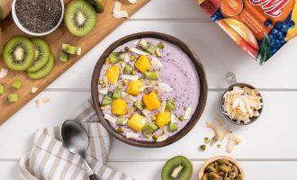 3 Ingredient Mango Berry Smoothie Bowl